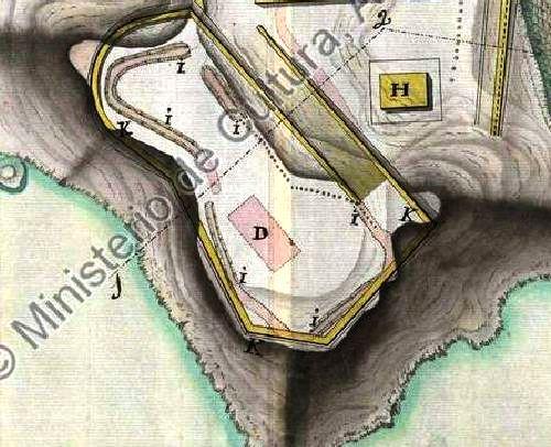 Detalle de la plataforma artillera y rampa de acceso
