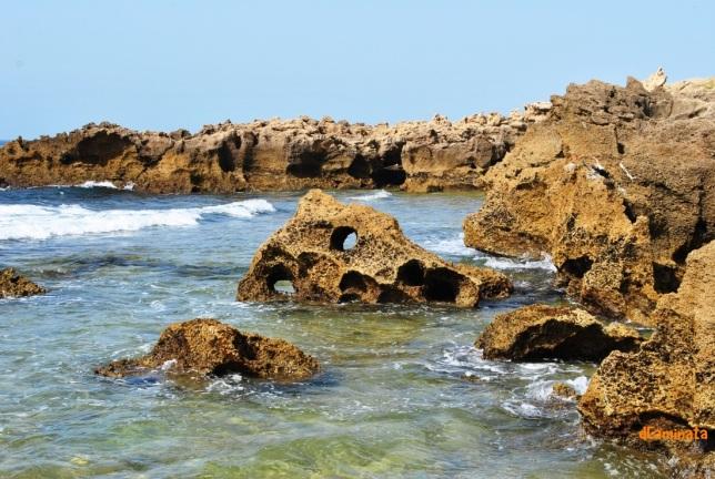27. Piedra y mar